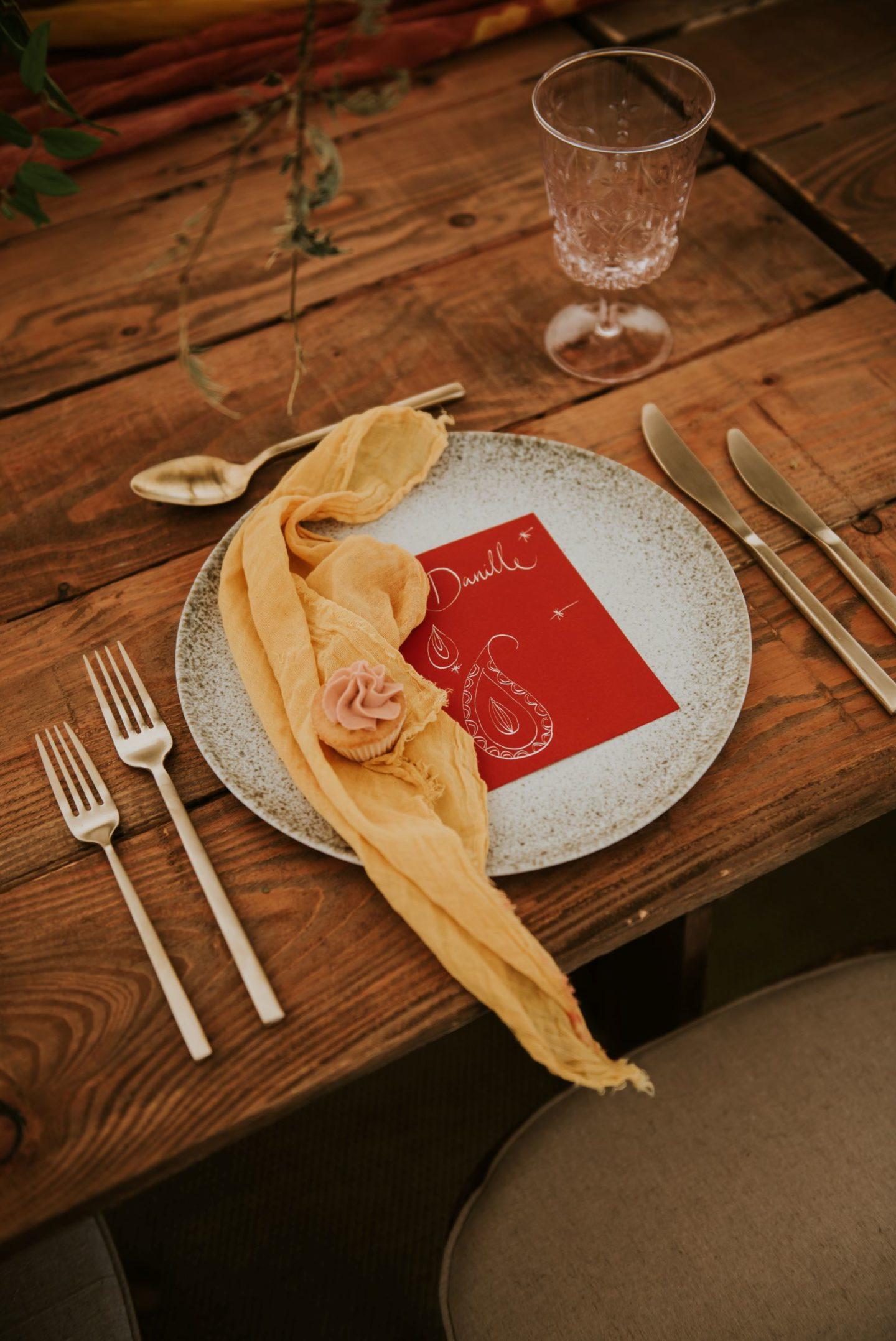 boho table setting on oak table
