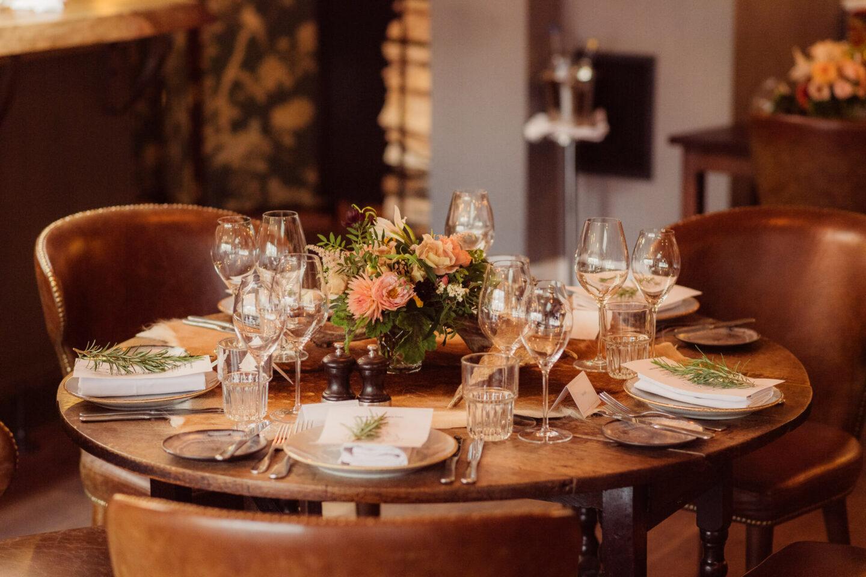 micro wedding table setting Autumn