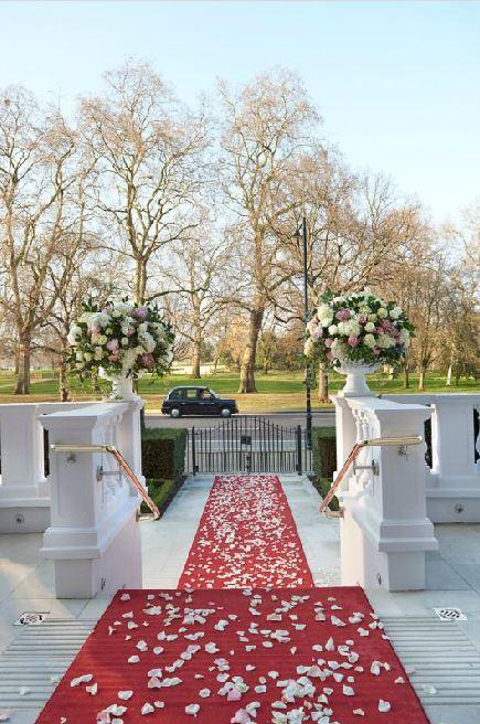 Mandarin Oriental London wedding gate