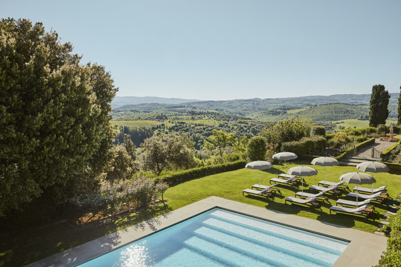 Tuscany wedding venue pool
